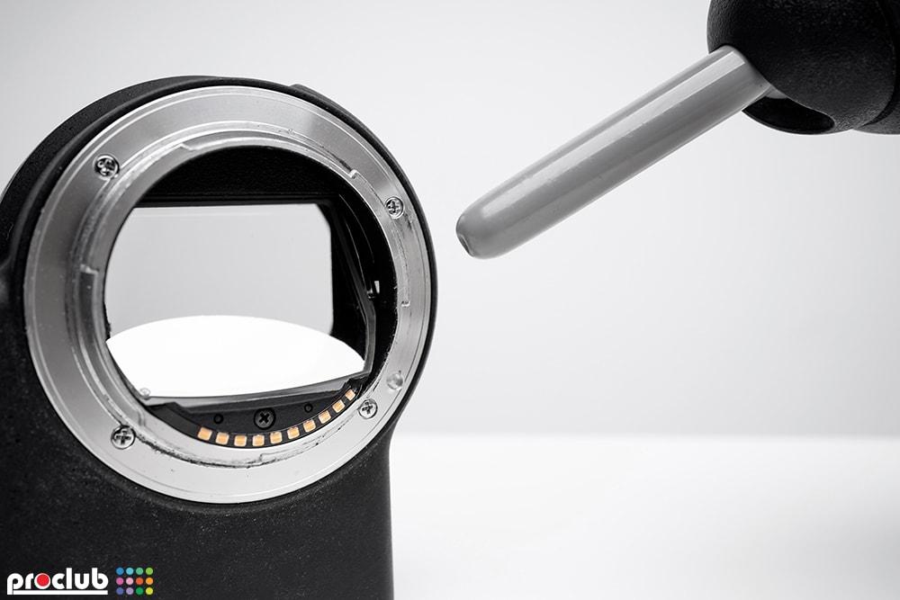 Jak czyścić lustro półprzepuszczalne